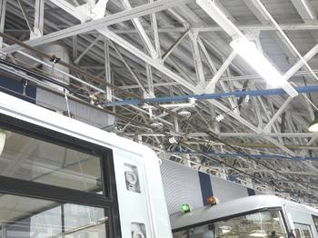 関電トンネルトロリーバス架線.jpg